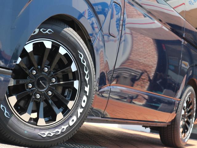 新作アルミホイール☆マッコイズEP-4のブラック&シルバーカラー!タイヤは定番のTOYO H20ホワイトレターです☆