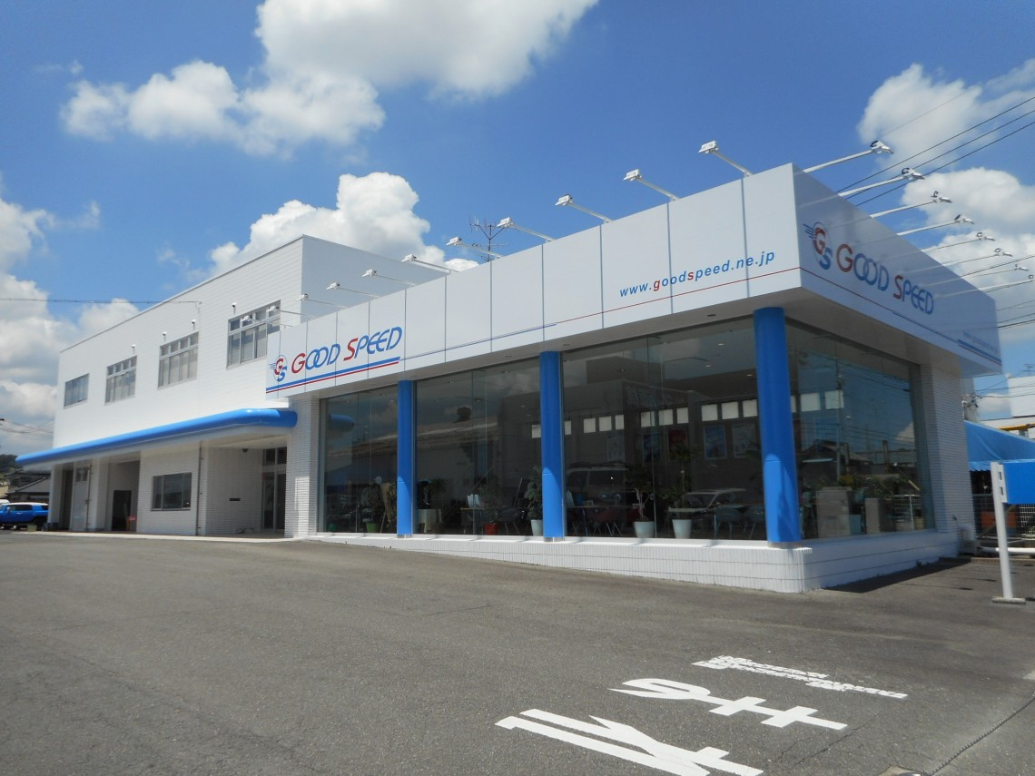 三重県内最大級のミニバン専門店。全国から取り寄せた今が買い時のミニバンだけを厳選し、常時100台以上展示しております。