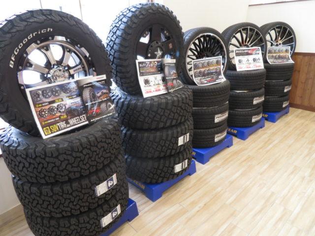 タイヤを初め、最新のナビゲーションやドレスアップパーツ等の販売・取...